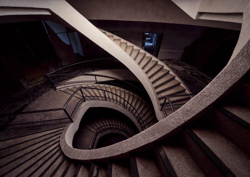 Verlassene Treppe in Belgien
